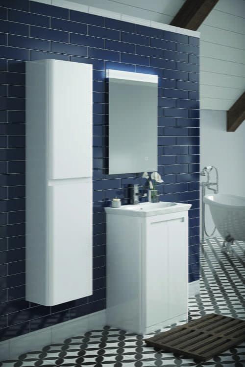 HiB - Camber units and Alpine illuminated mirror