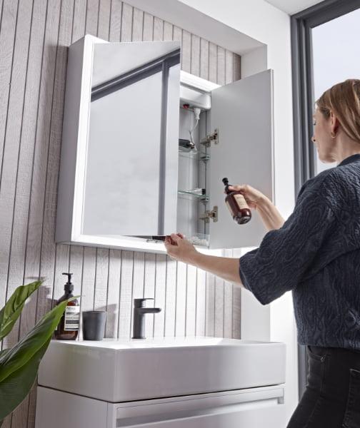 Tavistock - Flex double-door mirrored cabinet